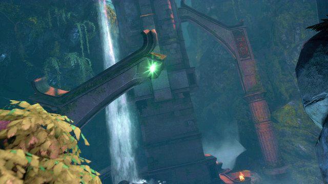 Posuwaj�c si� naprz�d pokonaj grupk� paso�yt�w by stan�� przed zje�d�alni� zako�czon� przepa�ci� - 6 - Zbiornik - God of War: Ascension - poradnik do gry