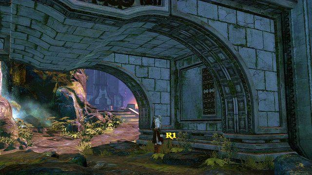 Po przejściu przez bramę udaj się w lewo - 6 - Zbiornik - God of War: Ascension - poradnik do gry