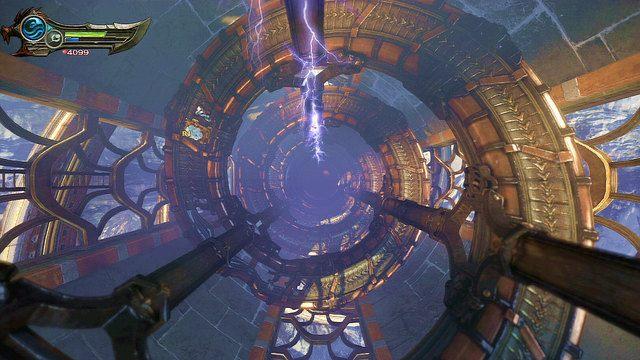 Będąc już w środku zejdź kawałek w dół by odnaleźć białą skrzynię z piórem Feniksa - 6 - Zbiornik - God of War: Ascension - poradnik do gry