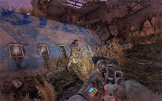 Ustaw si� przy Pawle i zaczekaj a� stado mutant�w oddali si� od tego miejsca - Pod��aj za Paw�em do Stacji Teatr - Rozdzia� 8 - Echo - Metro: Last Light - poradnik do gry