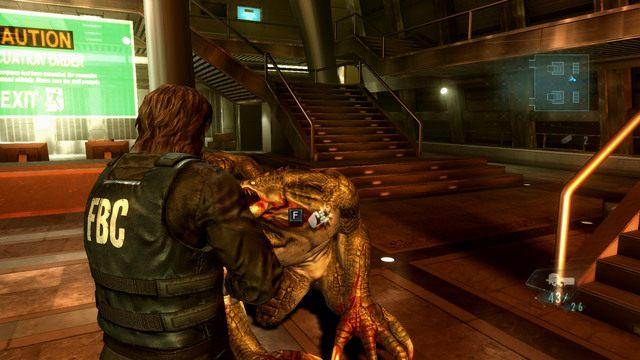Aby oszczędzić trochę amunicji, może dobijać przeciwników ciosem pięści - Duchy Veltro - część I - Epizod 3 - Resident Evil: Revelations - poradnik do gry