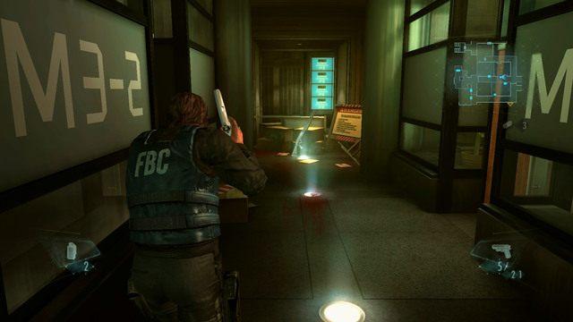 Po oczyszczeniu terenu ponownie przejdź za barykadą i wejdź do pomieszczenia z prawej - Duchy Veltro - część I - Epizod 3 - Resident Evil: Revelations - poradnik do gry