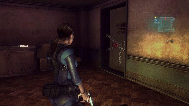 Skorzystaj z niego i idź cały czas prosto, aż zobaczysz zamknięte łańcuchem drzwi - Duchy Veltro - część II - Epizod 3 - Resident Evil: Revelations - poradnik do gry