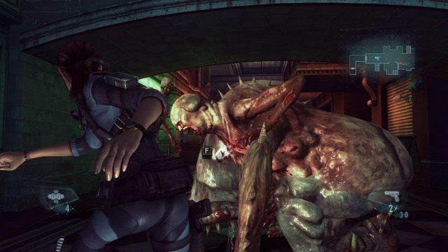 Dobrym sposobem na oszczędzenie amunicji, jest korzystanie z kopnięć, gdy bestia jest ogłuszona eksplozją - Duchy Veltro - część II - Epizod 3 - Resident Evil: Revelations - poradnik do gry