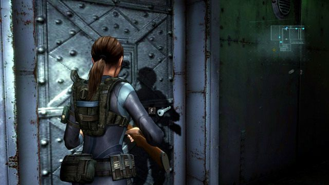 Po drodze możesz jeszcze sprawdzić zamknięte wcześniej pomieszczeni z symbolem kotwicy na drzwiach - Koszmar powraca - Epizod 4 - Resident Evil: Revelations - poradnik do gry