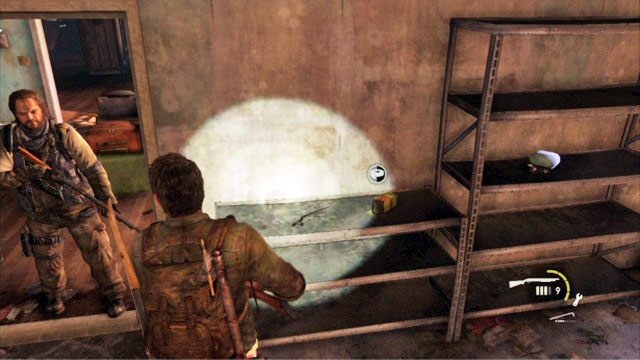 Dobrze przeszukaj budynek, strzelaj�c do napotkanych przeciwnik�w - Cmentarz - Miasteczko Billa - The Last of Us - poradnik do gry