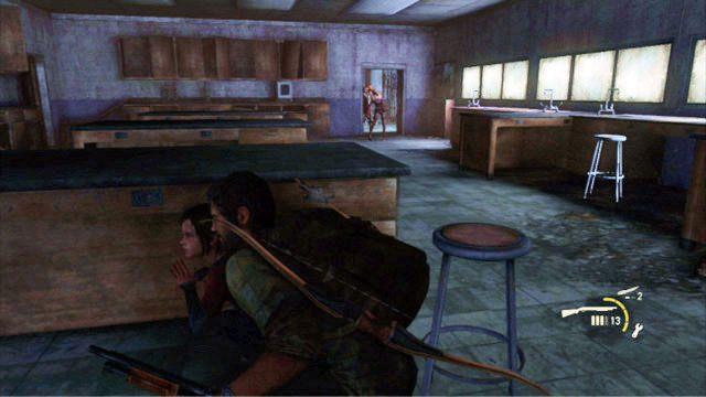 Gdy pierwszy wr�g zginie, poczekaj na klikacza z prawej - Ucieczka z budynku szko�y - Miasteczko Billa - The Last of Us - poradnik do gry