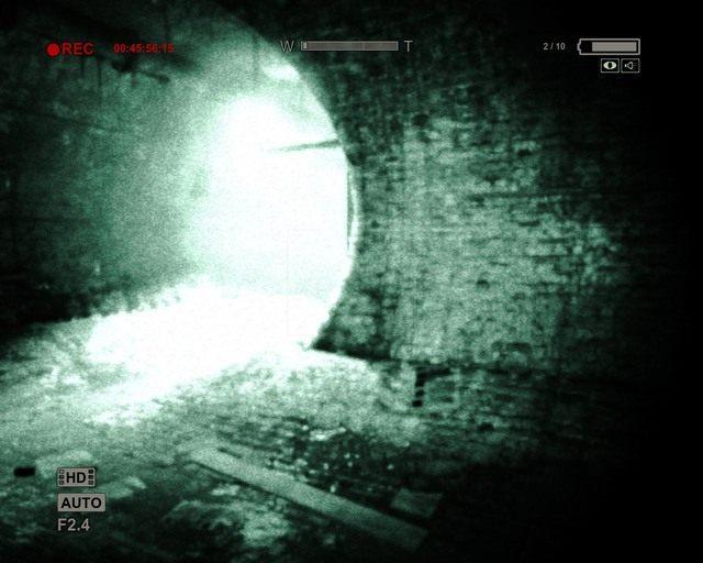 Właściwa ścieżka w kanałach - Sewer - Solucja - Outlast - poradnik do gry