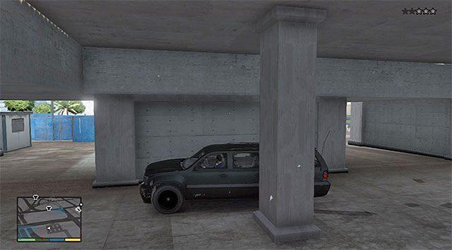 Jak się zapewne domyślasz musisz teraz uciec policyjnemu pościgowi (trzy gwiazdki) - 12 - Karabinki | Wątek główny - GTA V - poradnik do gry