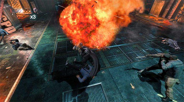 Warto detonować butle z propanem, zadając wrogom spore obrażenia - Uzyskaj dostęp do serwerów policji - powrót do serwerowni - Główny wątek - Batman: Arkham Origins - poradnik do gry