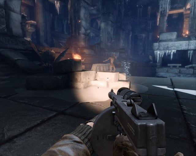 Latarka na karabinie maszynowym to spore udogodnienie - Ice Temple - Opis przej�cia - Deadfall Adventures - poradnik do gry