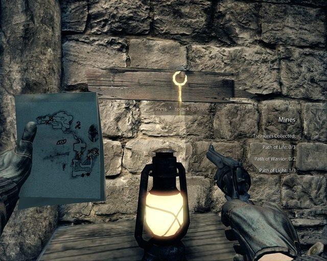 Klucz wiszący na ścianie, należy go zabrać - Mines - Opis przejścia - Deadfall Adventures - poradnik do gry