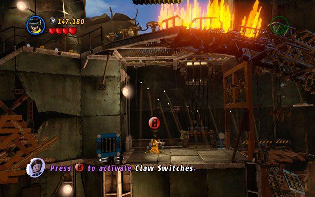 Swój pobyt we wnętrzu Statuy Wolności rozpocznij od obicia kilku mord - dopiero wówczas uda Ci się obwąchać Wolverinem okolicę i wyczuć ścieżkę na ścianie - Taking Liberties - Opis przejścia - LEGO Marvel Super Heroes - poradnik do gry