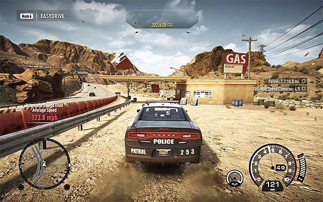 Najlepszym sposobem na odnawianie paska energii sterowanego samochodu jest przejeżdżanie przez rozmieszczone po całym świecie gry warsztaty (przykład na dołączonym obrazku), tym bardziej, że wiąże się to z równoczesnym odnowieniem zakupionych technologii pościgowych (Pursuit Tech - więcej na ich t - Uszkodzenia samochodu i jego naprawa - Podstawowe informacje - Need for Speed Rivals - poradnik do gry