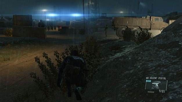 Możesz przejechać do bazy na tyłach ciężarówki - Uwolnij Paz - Opis przejścia - Metal Gear Solid V: The Phantom Pain - poradnik do gry