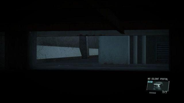 Schowaj się pod magazynem - Uwolnij Paz - Opis przejścia - Metal Gear Solid V: The Phantom Pain - poradnik do gry