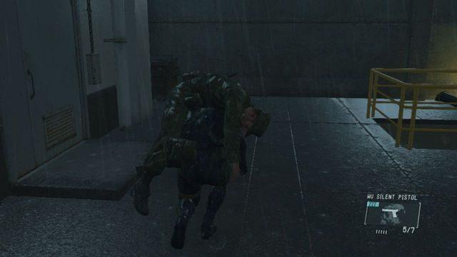Strażnik na końcu schodów - Uwolnij Paz - Opis przejścia - Metal Gear Solid V: The Phantom Pain - poradnik do gry