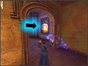 (SEKRET 1/12) Zamiast tego idź w lewo i patrz na prawą ścianę - W drodze do pokoju - Powitanie - Harry Potter i Komnata Tajemnic - poradnik do gry