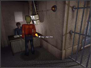 Przed wejściem do środka, włożyłem żyletkę do puszki i wrzuciłem ją na balkon - PARYŻ rok 2011 - część 7 - Strażnik Czasu - poradnik do gry