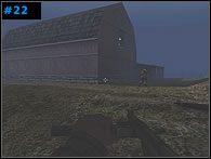 Kiedy droga do niewielkiego potoku będzie wolna, jeden z komandosów wysadzi kratę blokującą przejście do tunelu pod torami kolejowymi - Misja 2 - The Causeway - Medal of Honor: Allied Assault - Spearhead - poradnik do gry