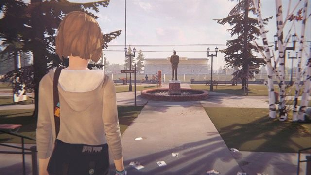 Podczas pobytu na podwórku, podejdź do statuty stojącej na środku i wykonaj zdjęcie - Zdjęcia | Epizod 1 - Chrysalis - Life is Strange - poradnik do gry