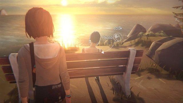 Ostatnie zdjęcie będziesz mógł wykonać Chloe, w momencie kiedy siedzi na ławce obok latarni - Zdjęcia | Epizod 1 - Chrysalis - Life is Strange - poradnik do gry