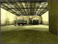 Podchodząc do rogatek zwróć uwagę szczególnie na tunel prowadzący do podziemi - Misja 04 - Janus Knife - Suma Wszystkich Strachów - poradnik do gry