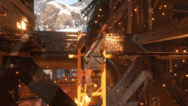 Po pokonaniu przeciwników z tarczami biegnij dalej w górę i po drabince wydostań się na zewnątrz - Dołącz do Jacoba | Znów sama - Rise of the Tomb Raider - poradnik do gry