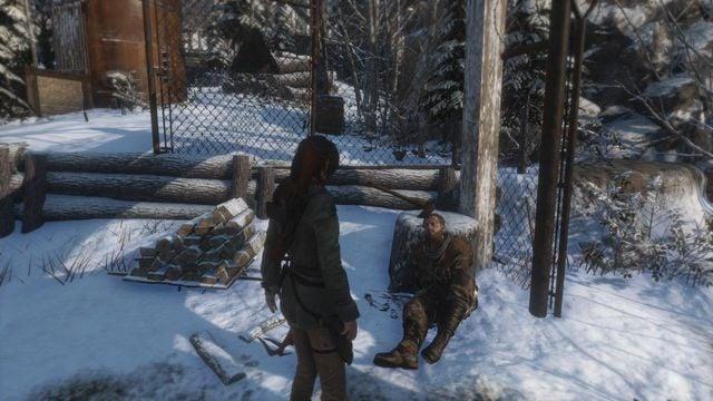 Zaraz po zjechaniu na linie napotkasz rannego Ocalałego, który zaproponuje Larze misję polegającą na oczyszczeniu pobliskiej jaskini z wilków, aby mogli ukryć się w niej pozostali tubylcy - Idź do huty miedzi   Znów sama - Rise of the Tomb Raider - poradnik do gry