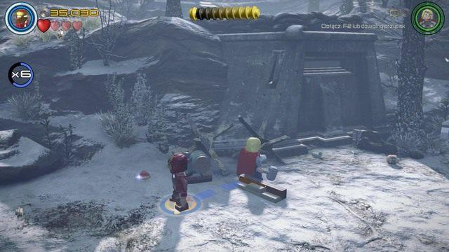 Drugi minizestaw zdobędziesz po zniszczeniu pięciu srebrnych min widocznych na obrazku - Minizestawy - Konstruktywna DeStrukcja - sekrety - LEGO Marvels Avengers - poradnik do gry