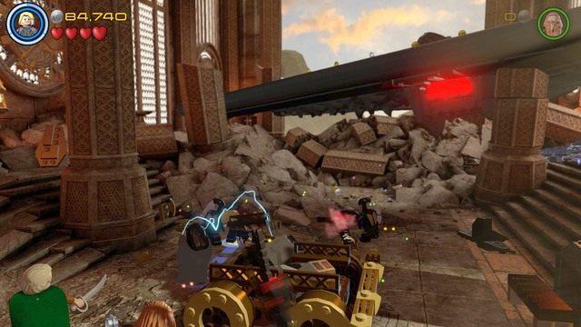 Po przybyciu na miejsce zniszcz pokazane na obrazku obiekty z klocków po czym stwórz z nich pierwszą część tarana - Hen, w Aetherze - Opis przejścia - LEGO Marvels Avengers - poradnik do gry