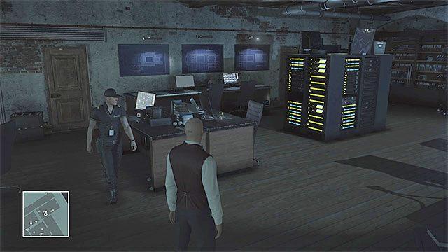 Wizyta w piwnicy ma na celu m.in. zdobycie przepisu na koktajl czy zniszczenie nagrań monitoringu - Infiltracja pałacu | Paryż - The Showstopper - Hitman - poradnik do gry