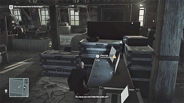 Zdalny ładunek wybuchowy jest na strychu - Zamordowanie Viktora Novikova | Paryż - The Showstopper - Hitman - poradnik do gry
