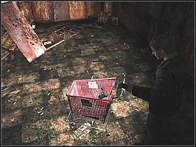 Kiedy wyjdziesz już z południowej klatki schodowej, idź w prawo do najbliższego korytarza prostopadłego, który poprowadzi cię do pokoju [208] - Wood Side Apartment - Część 2 - Silent Hill 2 - poradnik do gry