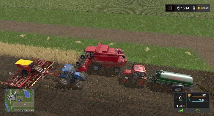 Nietrudno, by maszyny o różnej prędkości używane przez pracowników zaklinowały się - nie przeszkadza to zatrudnionym pobierać pieniędzy za godziny pracy - Porady strategiczne - Dla początkujących - Farming Simulator 17 - poradnik do gry