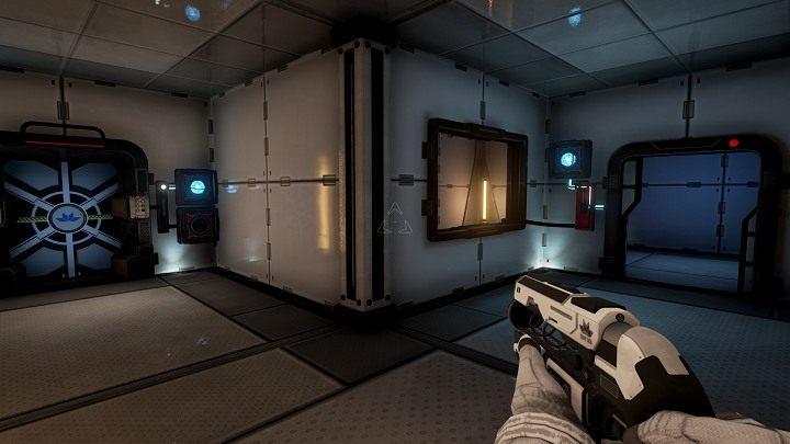 Wchodzimy do środka pomieszczenia po prawej stronie holu, pobieramy wiązkę energii, którą wypuszczamy do pustego pola obok głównych drzwi wyjściowych - Chapter 1 - Opis Przejścia - The Turing Test - poradnik do gry