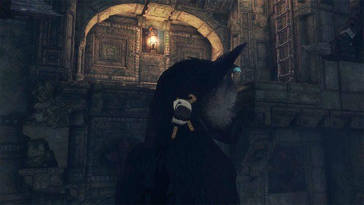 Przeskocz na balkonik po tym jak Trico się do niego dostatecznie zbliży - Przejście przez dwie sale z obracającymi się strażnikami - The Last Guardian - poradnik do gry