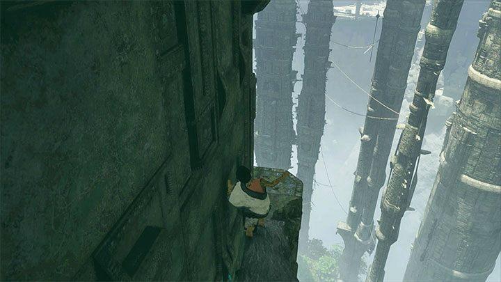 Ostrożnie przemieszczaj się pozostając blisko ściany - Nauczenie Trico wykonywania poleceń - The Last Guardian - poradnik do gry