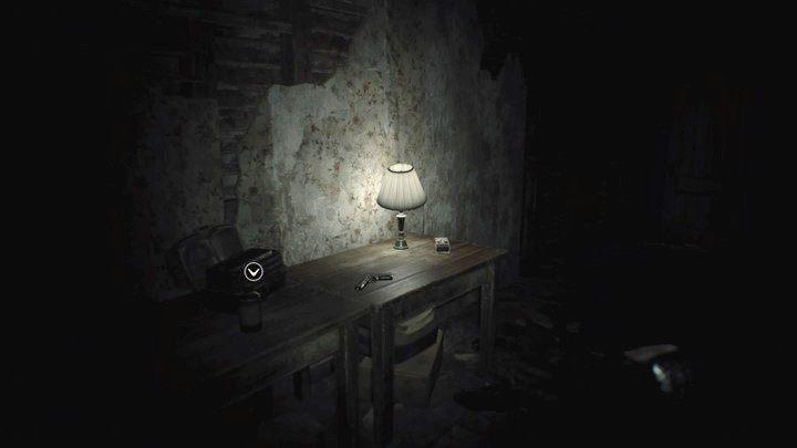 Pistolet znaleziony na strychu i tak zostanie ci później skonfiskowany - Pensjonat (Guest house) - Resident Evil VII: Biohazard - poradnik do gry