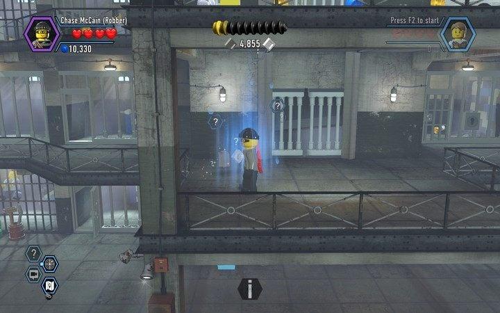 By skorzystać z niebieskiego pola, zmień kostium na policjanta - Cele więzienne na wyspie   Rozdział 3 - LEGO City: Tajny Agent - poradnik do gry