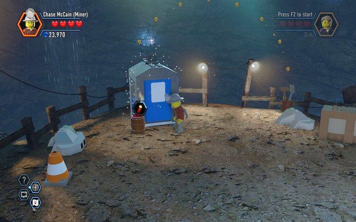 Toaleta także zbudowana jest ze srebrnych bloków - użyj więc dynamitu - Kopalnia   Rozdział 3 - LEGO City: Tajny Agent - poradnik do gry
