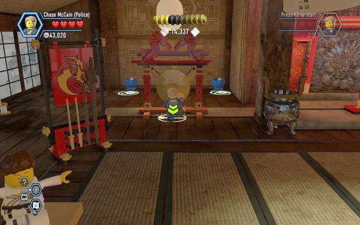 Użyj gongu, by przejść do kolejnego etapu - Dojo   Rozdział 4 - LEGO City: Tajny Agent - poradnik do gry
