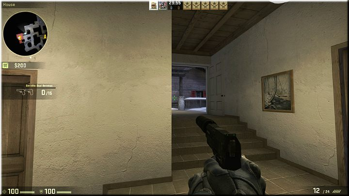Na powyższym obrazku widać korytarz, który prowadzi do schodów z których mogą skorzystać przeciwnicy, aby dostać się do budynku - Misja 12 - Austria: Po jednym dla każdego - CS GO - poradnik do gry