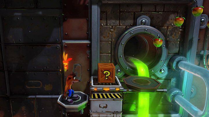 W kolejnej sekcji bardzo ostrożnie przeskakuj pomiędzy ustawionymi blisko siebie gorącymi rurami - Heavy Machinery | Cortex Island | Opis przejścia - Crash Bandicoot N. Sane Trilogy - poradnik do gry