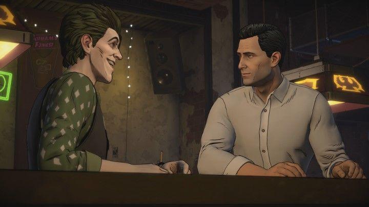 Po chwili przejdziesz z Johnem do baru. - Rozdział 3 - Unsure Footing | Epizod 2 - The Pact - Batman: The Telltale Series - The Enemy Within - poradnik do gry