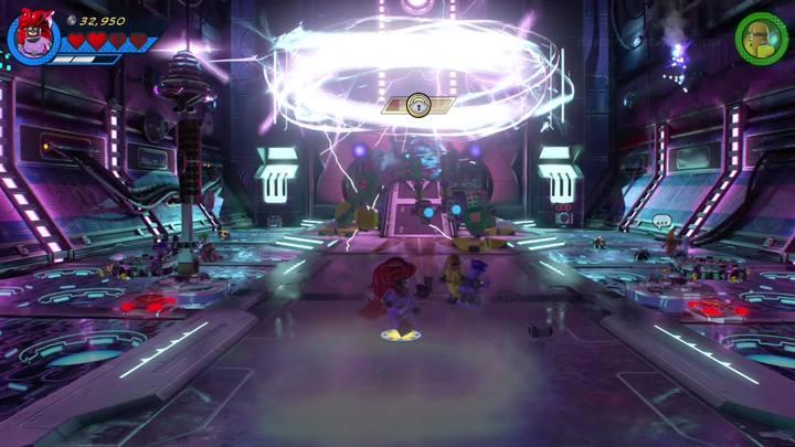 W momencie aktywowania elektrycznego ataku boss będzie niewrażliwy na otrzymywane obrażenia - Misja 13 - Błądzić jest rzeczą nieludzką | Solucja - LEGO Marvel Super Heroes 2 - poradnik do gry