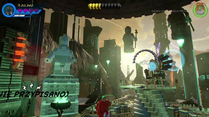Po przejściu do kolejnej sekcji, udaj się w prawo, zmień postać na Black Bolta i użyj umiejętności specjalnej na megafonie - Misja 14 - Halo, nie rób z tego halo | Solucja - LEGO Marvel Super Heroes 2 - poradnik do gry