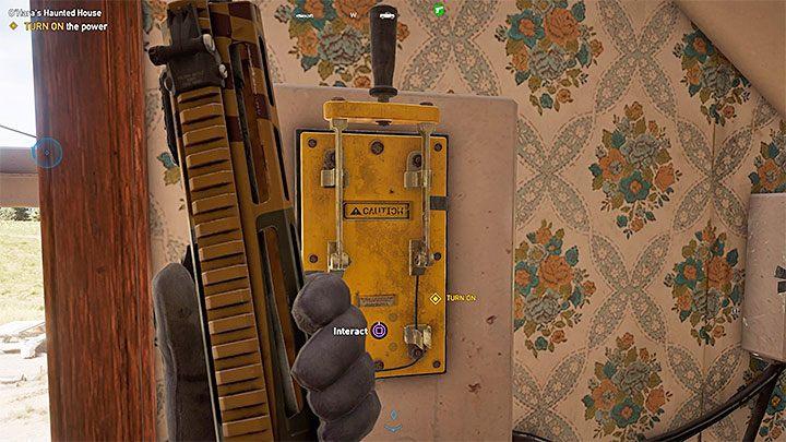 Zeskoczenie na rusztowanie pozwoli ci przejść przez okiennicę i znaleźć się na piętrze budynku - Lokacje kultu i skrytki prepperskie | Dolina Holland - Far Cry 5 - poradnik do gry