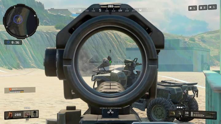 Jak zauważysz na radarze, przy końcówce meczu ostatni obszar zanika i pozostali gracze są jednakowo narażenia na obrażenia od strefy, dlatego każdy próbuje znaleźć się w środku ostatniego okręgu i jak najpóźniej je otrzymywać. Tym możesz załamać ten schemat... - Porady - Tryb Blackout w Call of Duty Black Ops 4 - Call of Duty Black Ops 4 - poradnik do gry