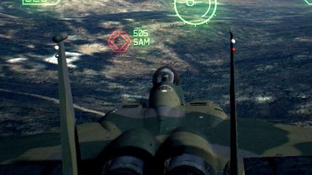 Właściwą strategią jest przelecenie nad celem, nawrót i atak od dogodnej strony. - Dlaczego rakiety nie trafiają w cel mimo pełnego namierzenia? - Ace Combat 7 Skies Unknown - poradnik do gry